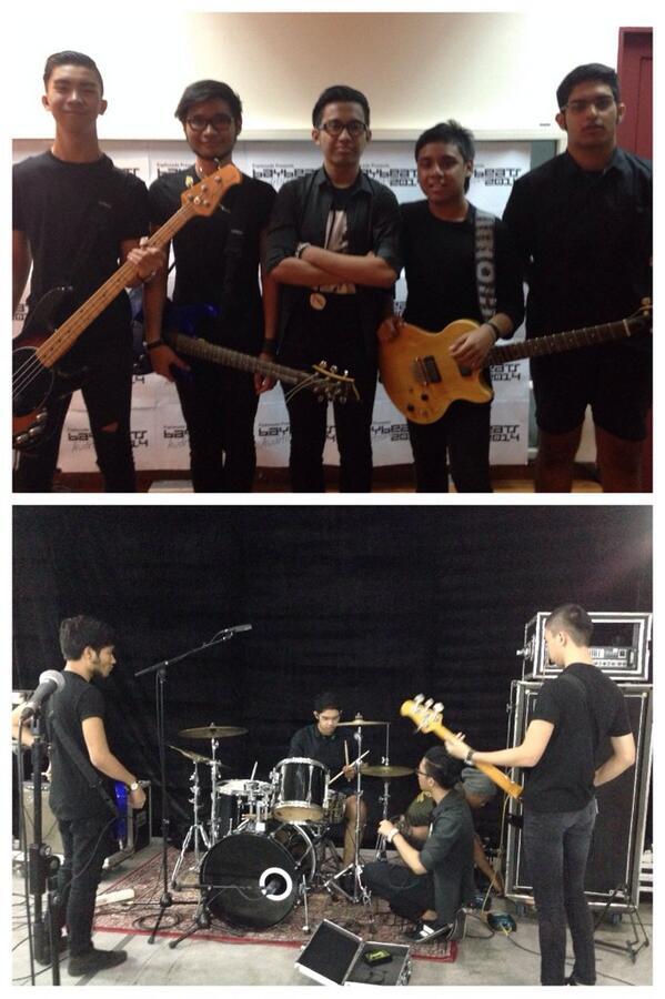 First Hardcore band today! @baybeats #baybeats #DecipherSG http://t.co/W0x1OHN4nZ