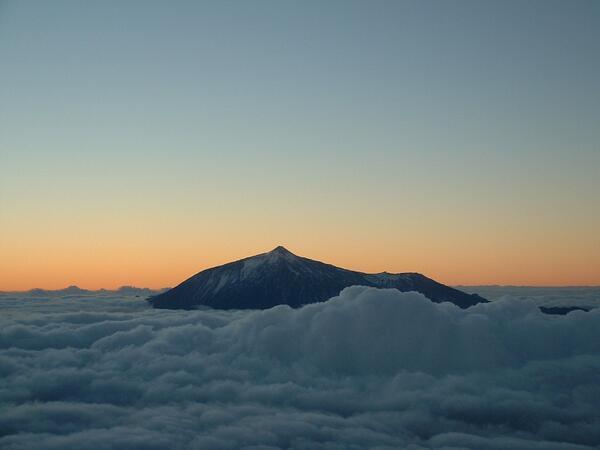 """Quééé boniiiito tweeet!! RT @EmocionesCan: """"@BinterCanarias: ¡Quién fuera nube para envolverte! #entrealgodones http://t.co/nZScWFIwz9"""