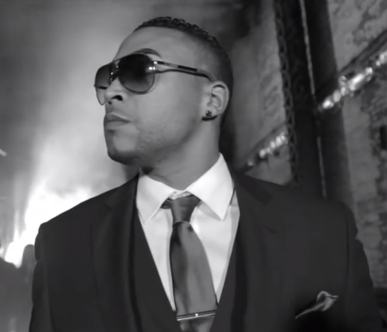 Tonight is #HastaAbajo with the video of @DonOmar in VEVO #AsíHastaAbajoSoyYo Check this out http://t.co/syhsW0fID8 http://t.co/L1GKZZseMk