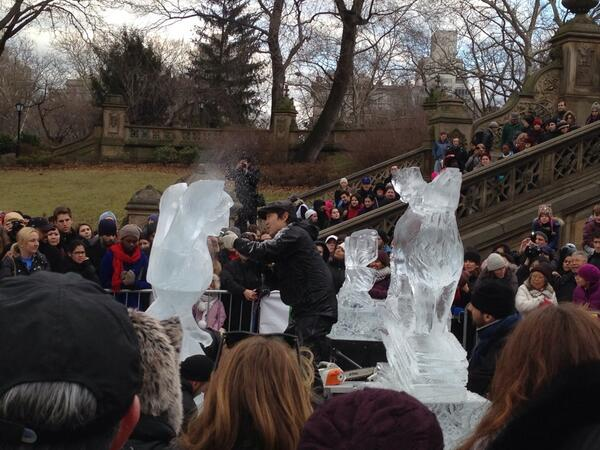 #CentralParkIceFest today at @CentralParkNYC. These guys are talented! http://t.co/vwDjzmRnC7