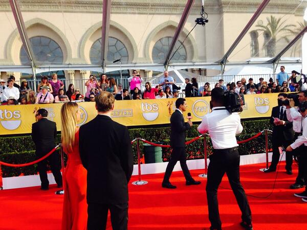 The carpet is moments from kicking of @SAGawards. Mario Lopez is in full force! http://t.co/LelUq1DaCP