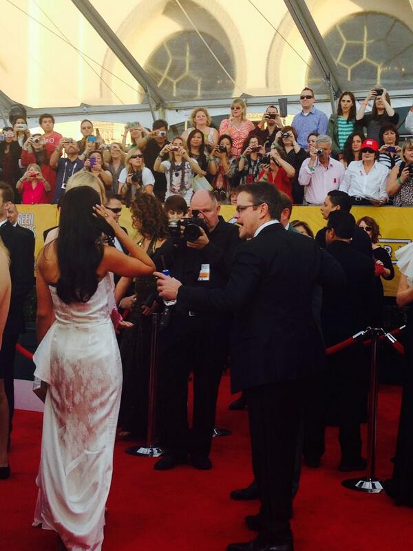 And the biggest fan screams of the day so far goes to the one and only .... Matt Damon! #PeopleSAG #SAGAwards http://t.co/DXMqz1CAJY