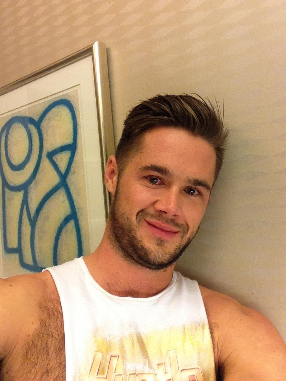 Mike de Marko on Twitter: Random bathroom selfie from