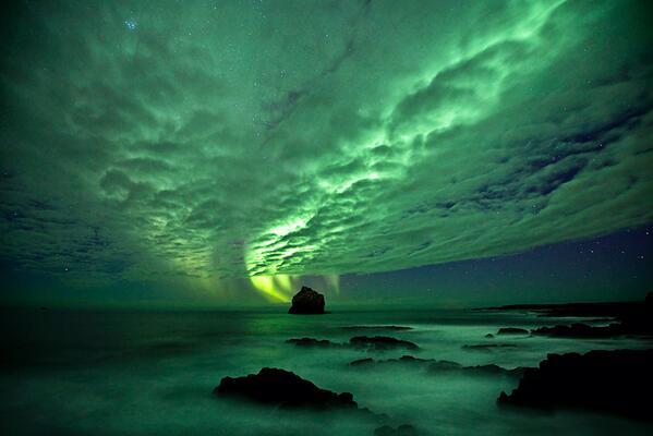 """Aurora - Reykjanes Peninsula Iceland by Gunnar Gestur Geirmundsson http://t.co/dVf7mWTWCN"""" RT @zaibatsu @Sannri"""