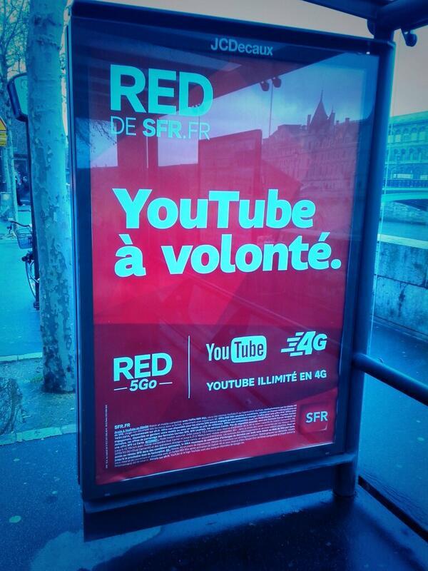L'atteinte à la Neutralité du Net, étalée en grand sur des affiches et mise en avant comme un atout promotionnel... http://t.co/kvI8LtHnDb