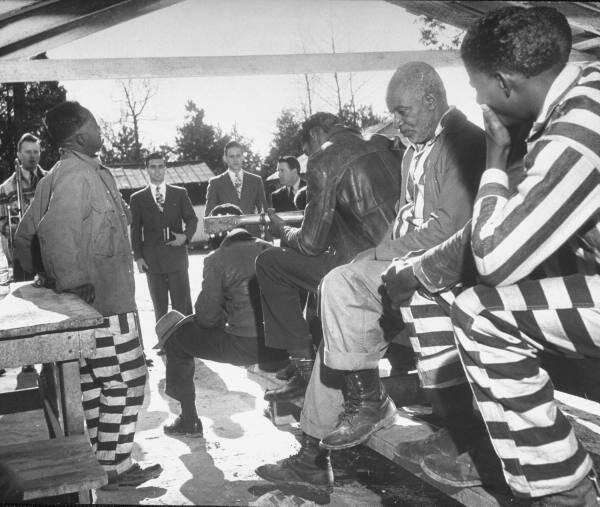 """In 1948, Life Mag did a story on @BJUedu with a major focus being local """"ministries"""" #YeahThatGreenville #MLKDay2014 http://t.co/D3JI2nbRcS"""