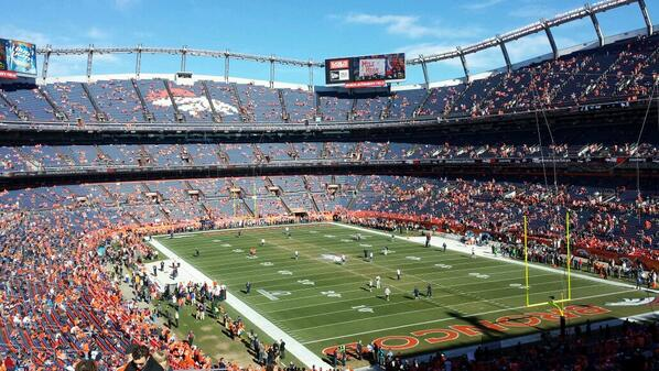70 minutes to kickoff. http://t.co/yWfhLjCGFd