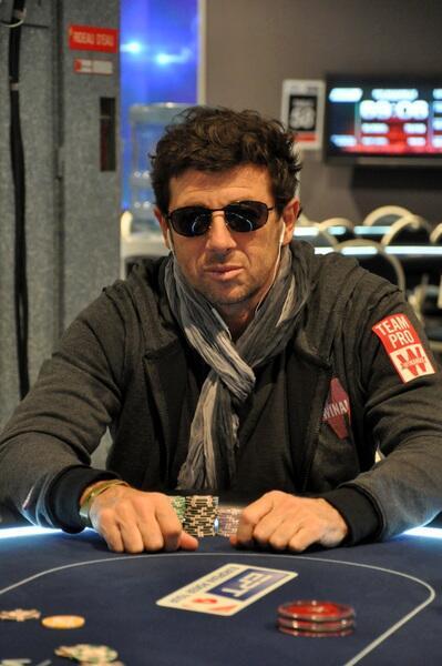 des nouvelles de Patrick et son poker ??? - Page 35 Be_LWFwCAAAWY2Q