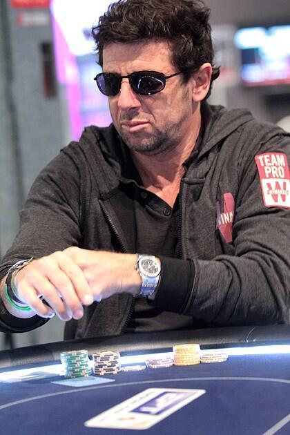des nouvelles de Patrick et son poker ??? - Page 35 Be_NJoGIAAA8VVF