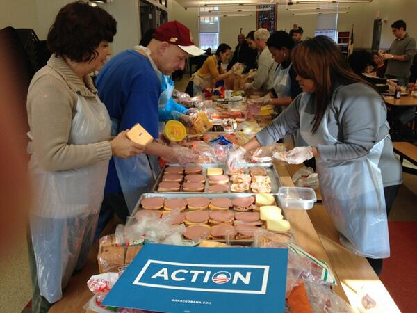 In celebration of #MLKDay, volunteers are taking #OFAction and serving food at the Central Union Mission! http://t.co/1d8gJgAt9y