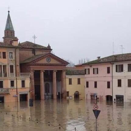 #alluvioneMO #allertameteoER #Secchia #Modena http://t.co/nFPyB6ixfI