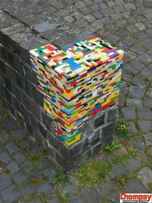 Is there a #reuse role for lego that spreads a bit of colour in our lives? http://t.co/o6U9LFN2CW via @iFixit #engineering
