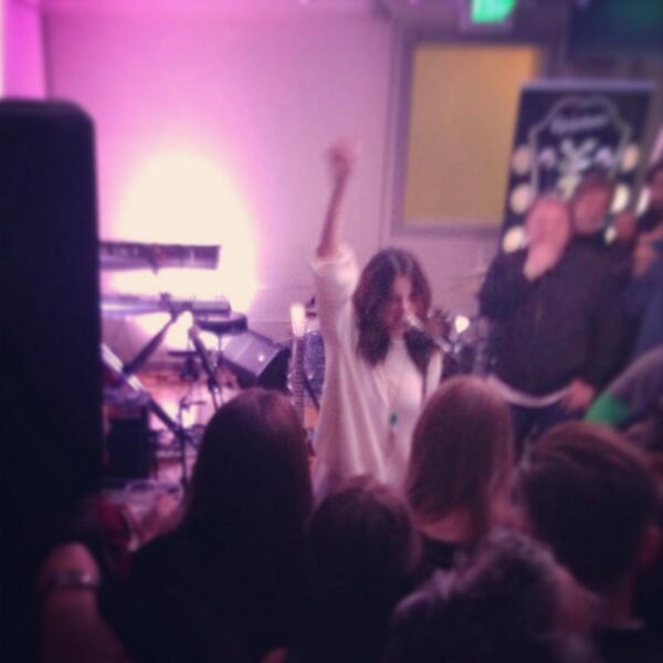 "Enjoying an impromptu concert by Selena Gomez at Grey Goose Blue Door ""Come & Get It"" #Sundance http://t.co/e4cqysBGy9"