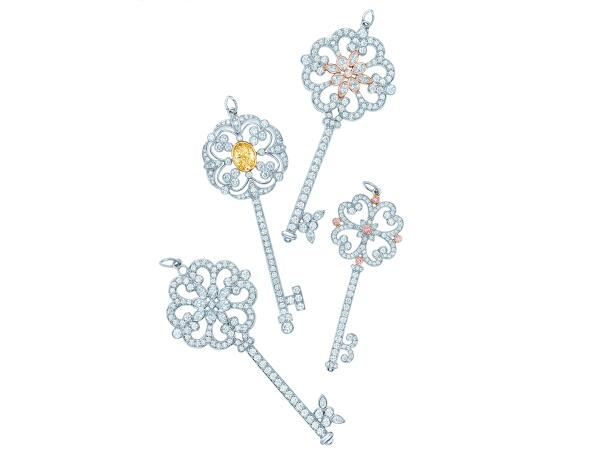 #obsessionoftheday @TiffanyAndCo Enchant Keys Jewellery Collection http://t.co/CqJprj3NbM Please RT! http://t.co/fkYtHY8rj6