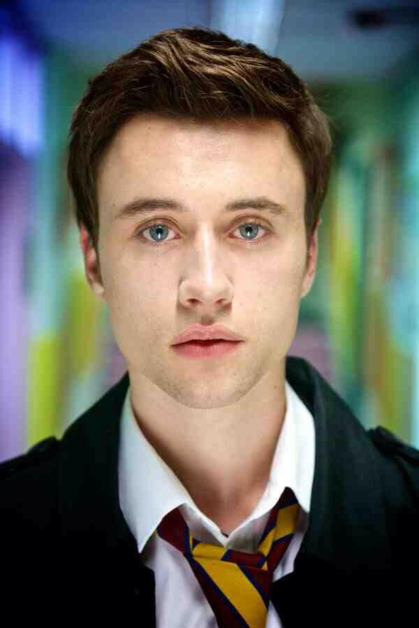 Who's going to be sad to see Connor Mulgrew leave Waterloo Road tomorrow night!? #Retweet if you are! http://t.co/kO2VoHnT0I