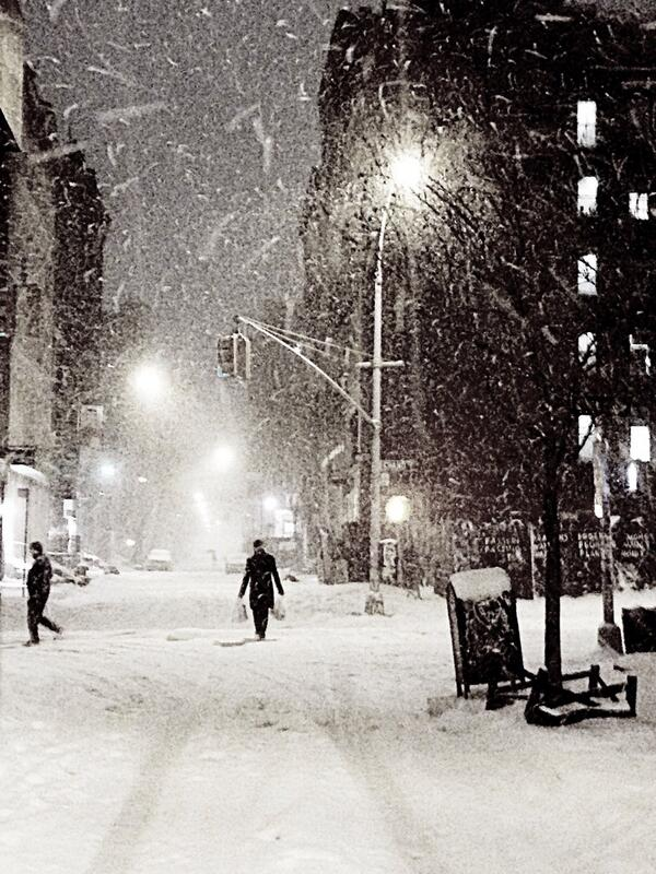 A little snow doesn't stop New Yorkers! http://t.co/aK0VG9lhJr