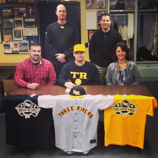 Congrats Cody Wills for signing to play college baseball on scholarship at Three Rivers Community College!<br>http://pic.twitter.com/e16rqrobZU