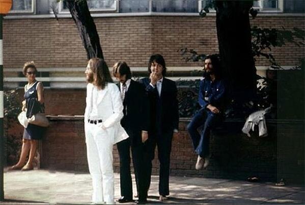 Abbey Road (1969) - Page 5 BekgycvIUAAJMYp