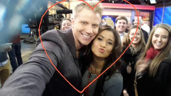 Sean & Catherine Lowe - Pictures - No Discussion - Page 8 Belg3OjIAAAssP3