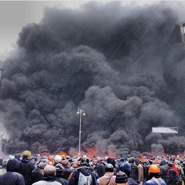 Sad, insane, surreal: RT @euromaidan now. #Євромайдан #Евромайдан #Euromaidan http://t.co/GsjVPFbICb