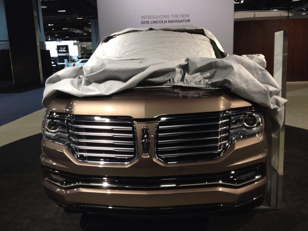 Twitter / CliffordAtiyeh: Oh, hi there 2015 Lincoln ...