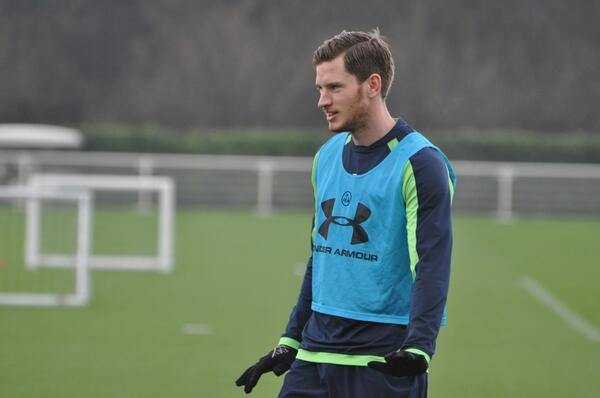Spurs stars Paulinho and Jan Vertonghen back in first team training today following injury [Pictures]