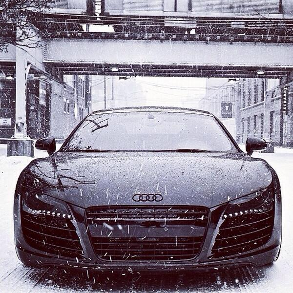 Audi R8 loving the snow http://t.co/IiphP9nsMV