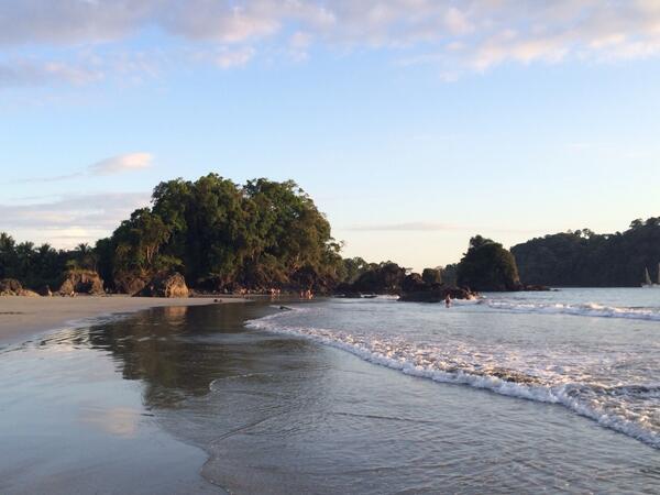 Freezing? Costa Rica April 2-6 w/ @U30Experiences $795 http://t.co/GmMeiyDbms http://t.co/nrhmPkmyE9