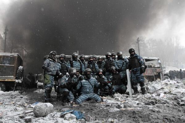Espectaculares imágenes de los disturbios en Kiev BemeOp-CMAAcc2p