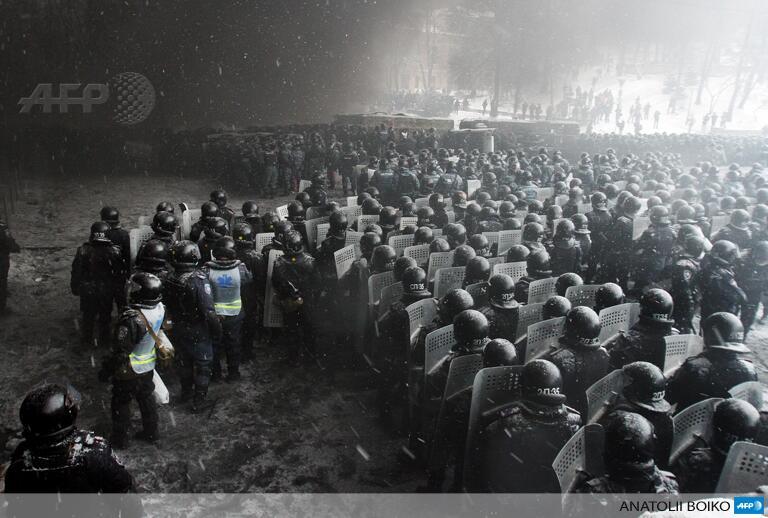 Espectaculares imágenes de los disturbios en Kiev Bems2M5CQAAYgBd