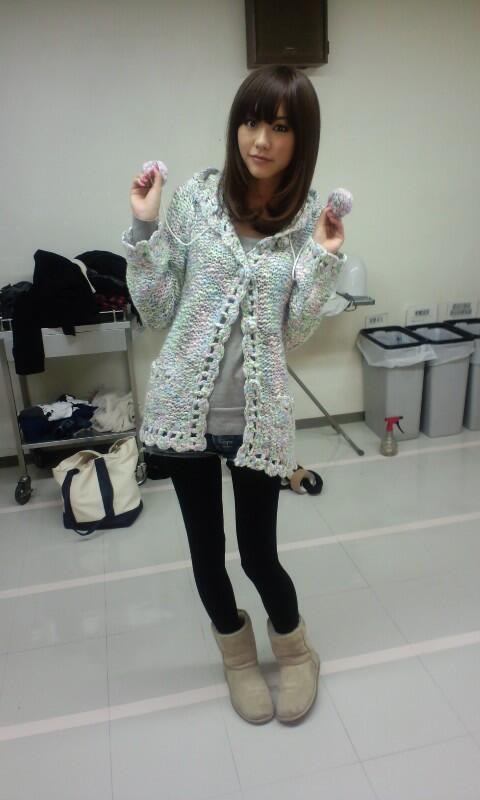 ポンポンのついた私服の桐谷美玲
