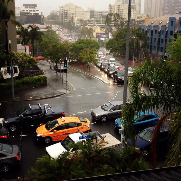 Rain, flash flooding and serious gridlock outside RACQ office on St Paul's Tce! #campingout #rainraingoaway http://t.co/DvygfM11uU