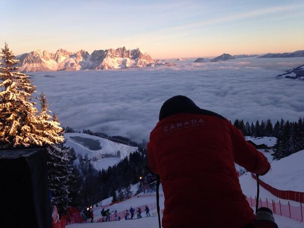 View from the start of the Hahnenkamm, course insp underway. http://t.co/NffIRGYuq7