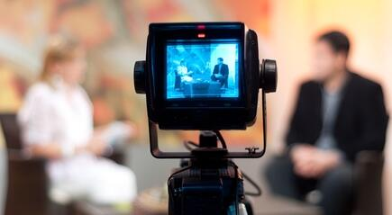 Five reasons to start making videos for your business http://t.co/jUyTFHQAm5 http://t.co/FubqNPnpds