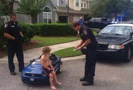 Here is the first photo released from Justin Bieber's arrest in Miami. http://t.co/EDGf3Qo1b7