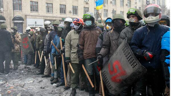 Soldiers of #Ukraine opposition in #Kiev appear to be a close match to officers of the law http://t.co/VGaanYmNtN http://t.co/8IsoxKWHGX