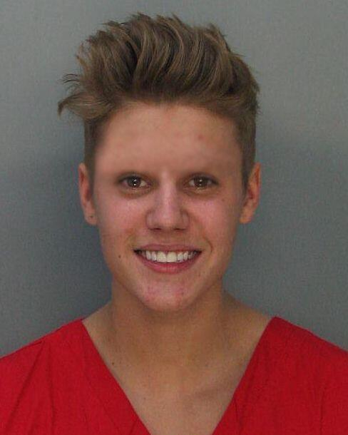 i photoshopped justin's eyebrows off for absolutely no reason http://t.co/o0hiPBPBhx