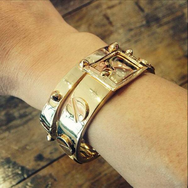 When in doubt… go for the #gold! #ccskye #goldbracelet #spikebracelet #screwbracelet http://t.co/h7iD4Pk4d6 http://t.co/51CHsBtRbO