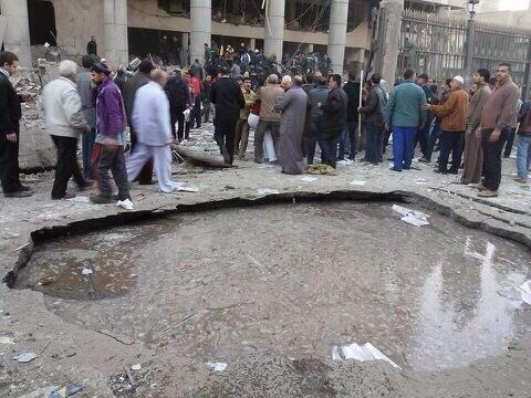 #CairoExplosion was so strong it made a crater puncturing the underground water pump. #Egypt via @hekal1000 http://t.co/XrRfp5Bnsu