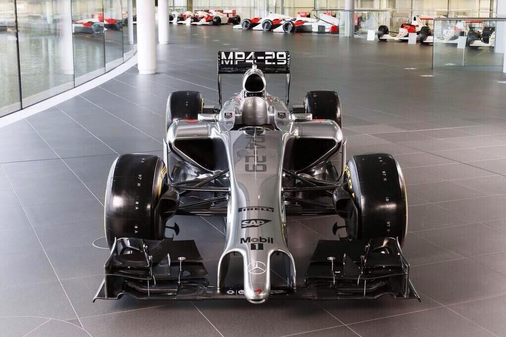 Fórmula 1, 2014 BevmK0LIQAAXXiy