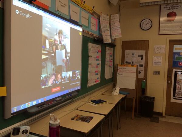Cell phone in schools debate vs @TonySinanis going on now! #soms http://t.co/Uff2jA4s15