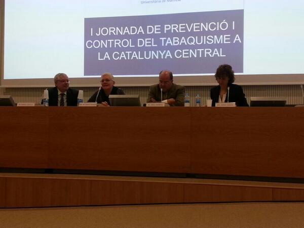 Taula inaugural de la Jornada de prevenció i control del tabaquisme a la Catalunya Central - #aprimaria #tabac http://t.co/TUTd06MM6L