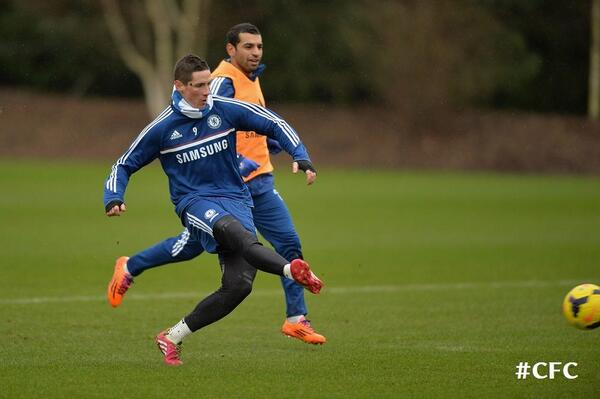 Fernando Torres pictured back in Chelsea Training after injury [Pictures]