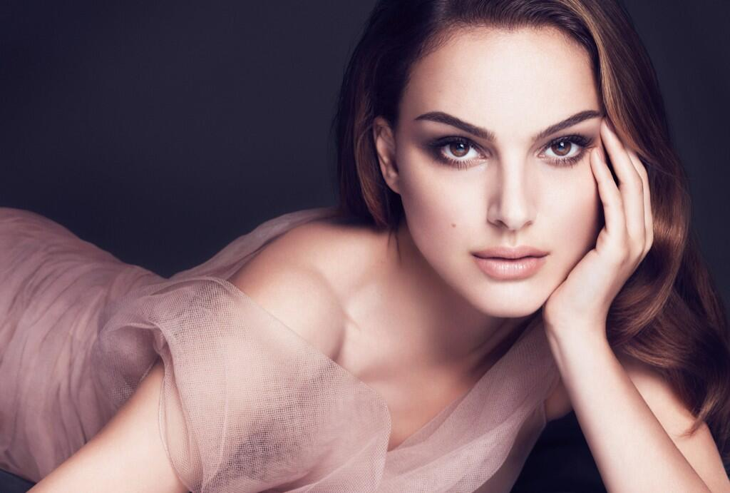 FAF lady of the day! Natalie Portman. I'd let her smack me in the mouth. http://t.co/BJ12bLaMYu