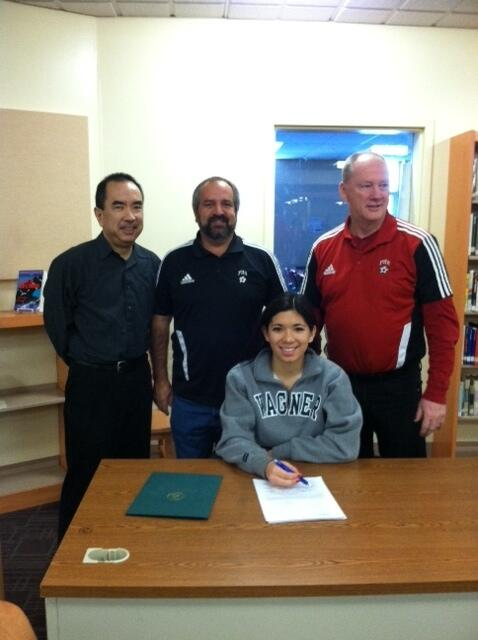 Jackie Otake sign's National Letter of Intent to attend and play soccer for Wagner College in NYC. Congrats!! http://t.co/BbiLJmcAY7