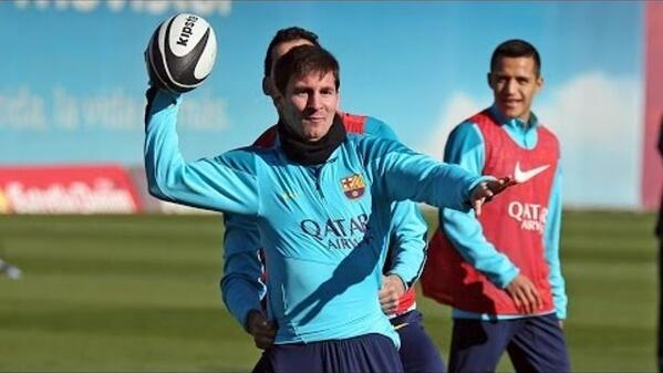 Barcelona attempt to play American Football in training today [video]