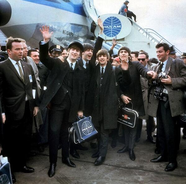 Today in '64, Pan Am flight 101 was greeted by over 5K Beatles fans at JFK, marking their first time in the US. #FBF http://t.co/KH7qP1Nuty