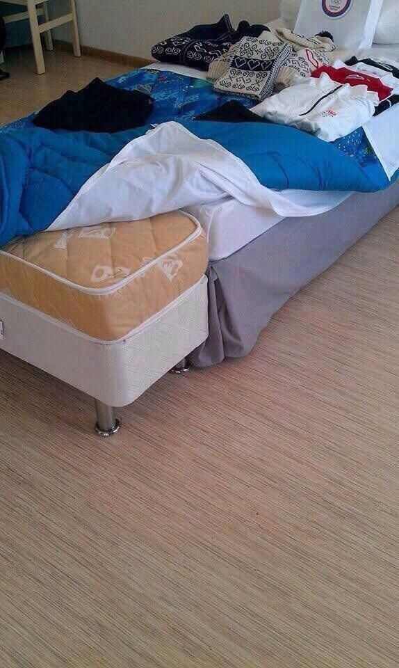 Zdeno Chara's bed at Sochi is… something. http://t.co/QAbvfz134o #Bruins #SochiProblems http://t.co/Nvr8Ekonfv