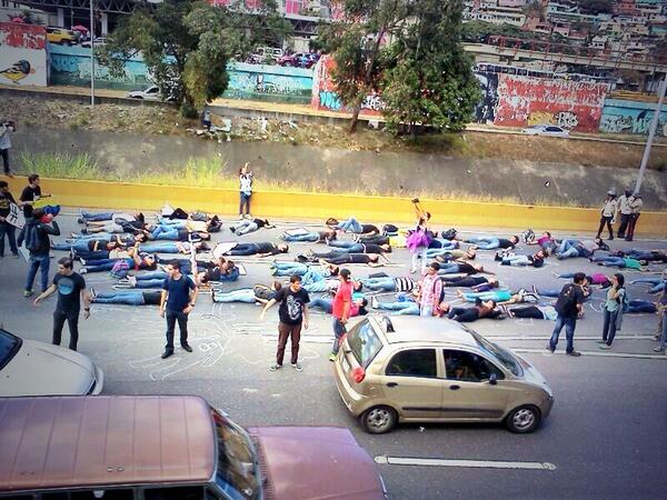 #UcabEnLaCalle exigiendo seguridad #BastaYa de la ineficiencia de este gobierno http://t.co/NsWUfFlnlq