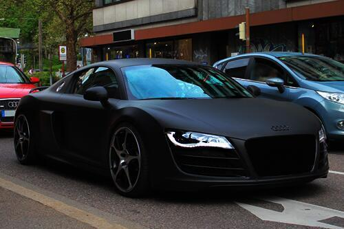 tweetsfilles on twitter l 39 audi r8 en noir mat est juste. Black Bedroom Furniture Sets. Home Design Ideas